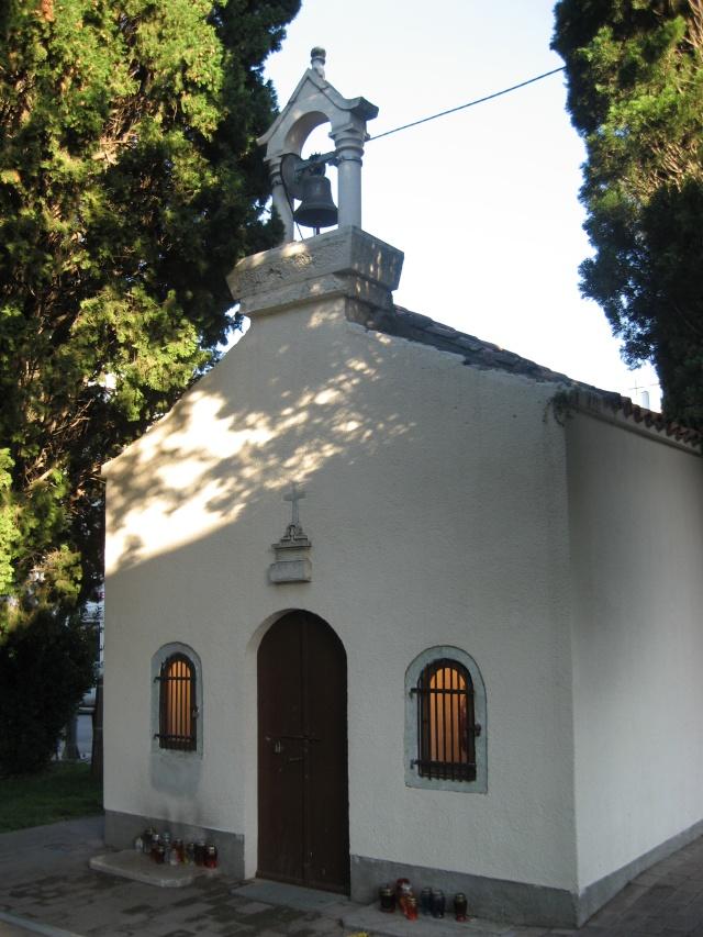 A Szent Rókus templom a városi parkban, Biograd na Moru