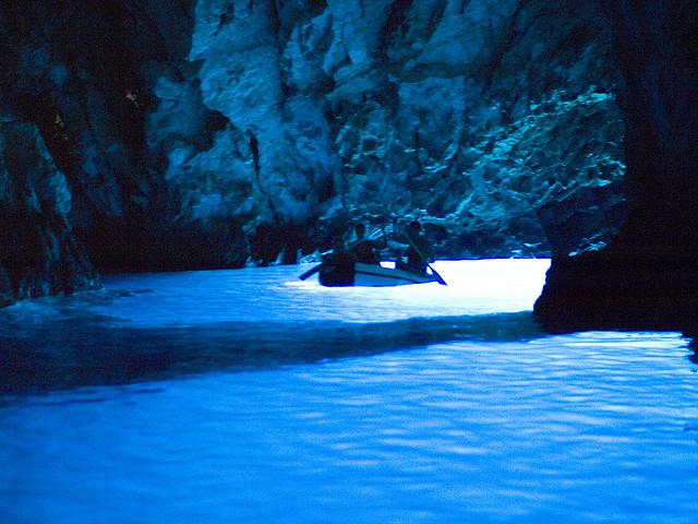 Kék-barlang (Modra špilja), Biševo-sziget