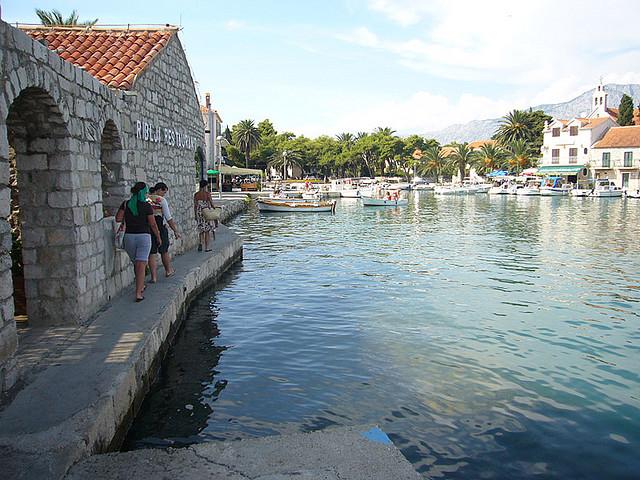 Sucuraj fő bevételi forrásává a turizmus.