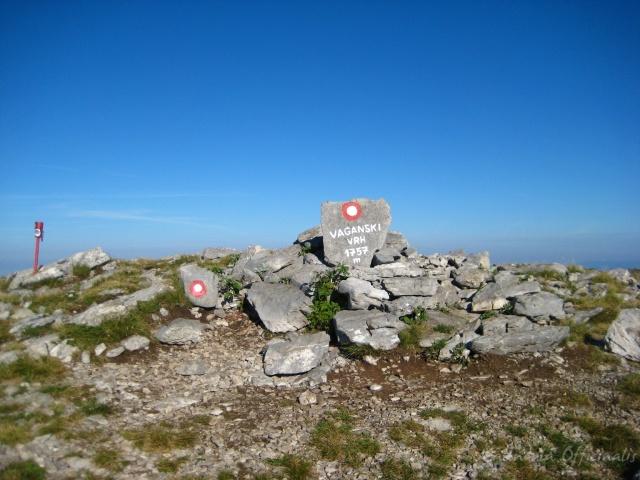A Paklenica Nemzeti Park legmagasabb hegycsúcsa a Vaganski vrh.