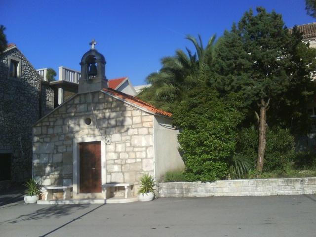 Az 1885-ben épült Szűz Mária Szíve templom, Loviste