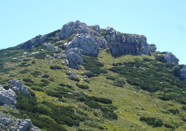 A Snježnik-csúcs a maga 1506 méteres magasságával a második legmagasabb hegycsúcs a Risnjak Nemzeti Park területén.