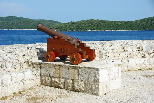 A Mindenszentek tornyát (Kula Svih Svetih) Capello-nak vagy Rampada-nak is nevezik. Napjainkra csak az alapja maradt meg.