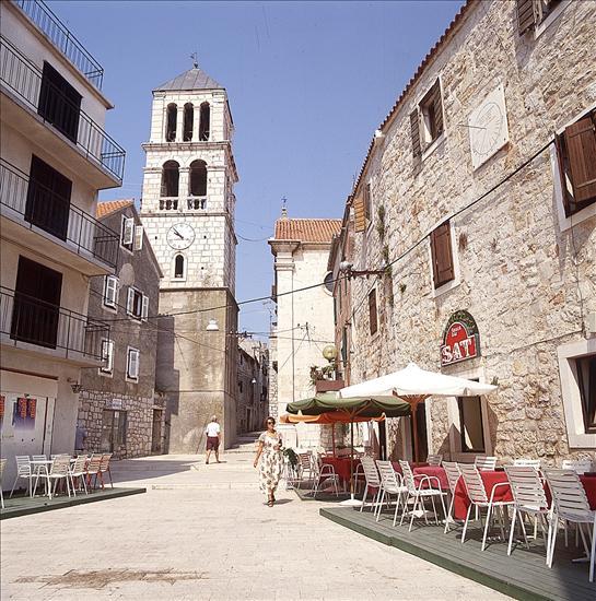 A Szent Kereszt plébániatemplom és harangtornya, Vodice