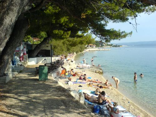Slavinj strand, Omis