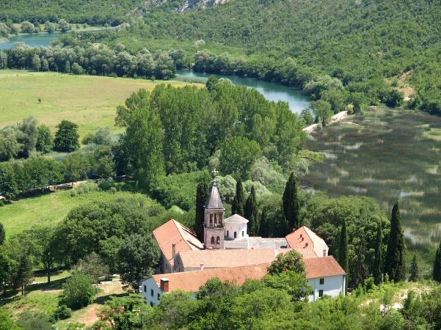 Szent Arkangyal kolostor