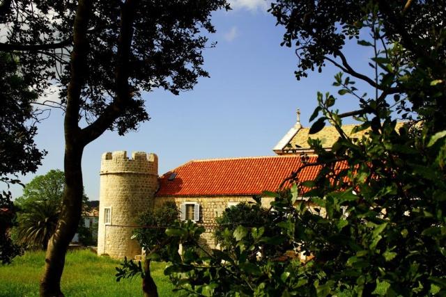 Szent Péter mártír dominikánus kolostor és templom, Stari Grad
