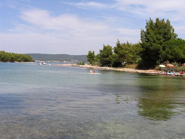 Barotul, egy kis, nyugodt település a Taline-öböl partján,  Pašman és Mrljane között.