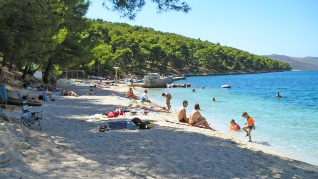 A Saldun-i öbölben található a legkedveltebb strand a Saldun.