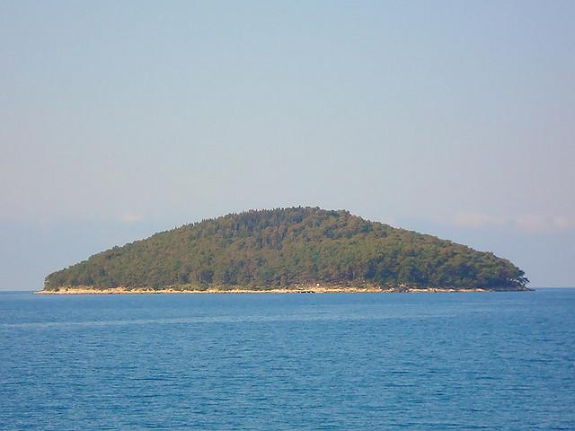 Ošjak is egy kis sziget Vela Luka közelében.
