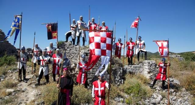 A Lovagi napok során a Pakoštane-i történelem középkori sötét évszázadainak hangulatát keltik ismét életre.