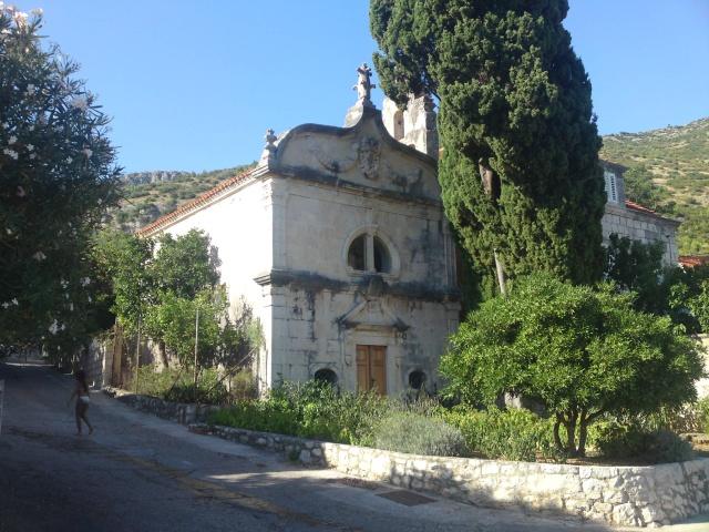 Szentháromság templom, Kuciste