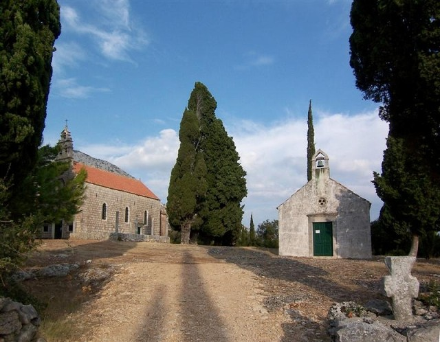 Karmen-i Szűzanya templom