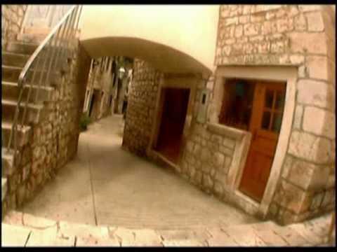 Stari Grad - Séta Stari Grad utcáin